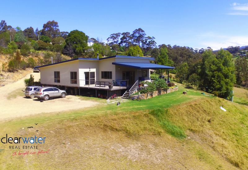 Modern Home on Acreage - Close to Narooma