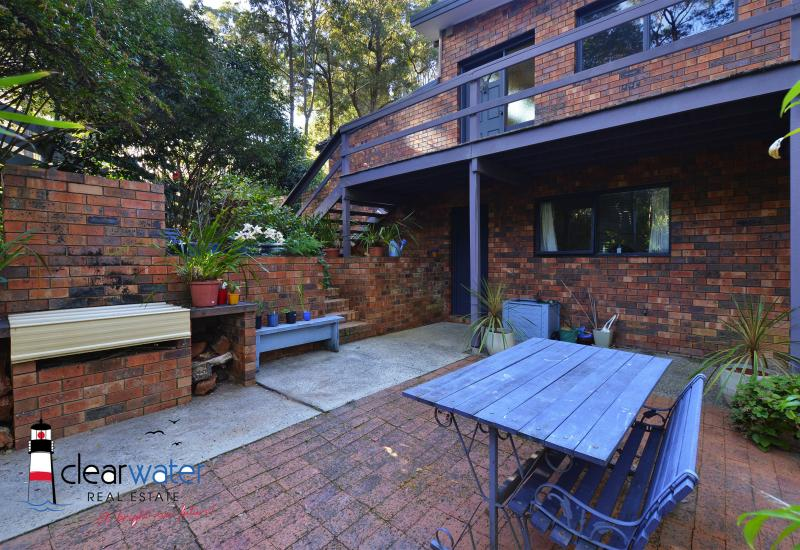 Brick Home Backing Onto A Reserve - DALMENY