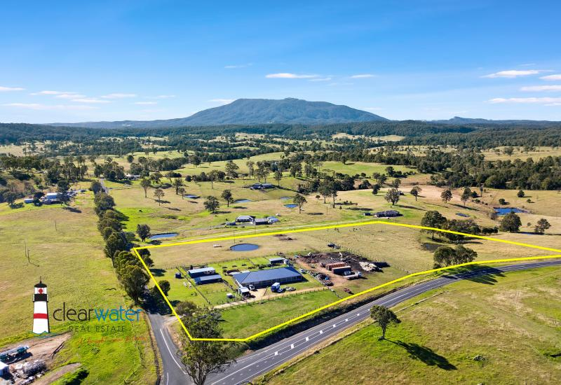 Hobby Farm - Large Home - 13 Acres - Short Drive to Bermagui