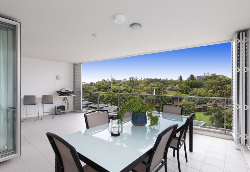 Contemporary Family Living in the Heart of the CBD!