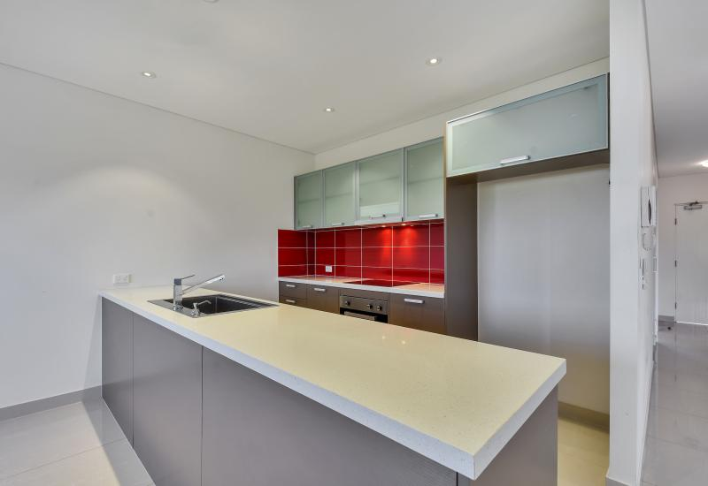 Well Maintained 2 Bedroom Unit Available Now!!