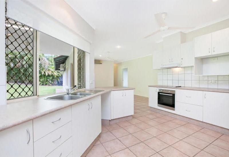 5 Bedroom + 2 Living Areas + Pet Friendly Family Home