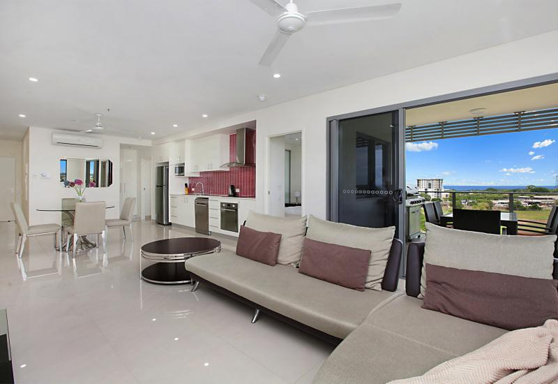 Fully Furnished Unit with Harbour Views