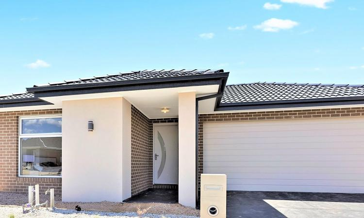 BRAND NEW GORGEOUS FAMILY HOME!! (CLYDEVALE ESTATE)
