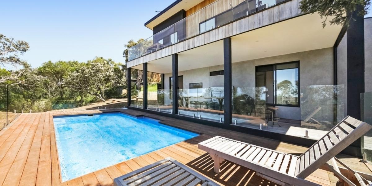 Low Maintenance, Great Views, Pool