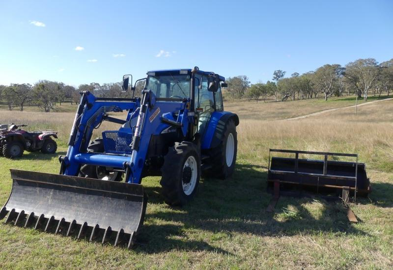 Tractor and Machinery Clearing Sale