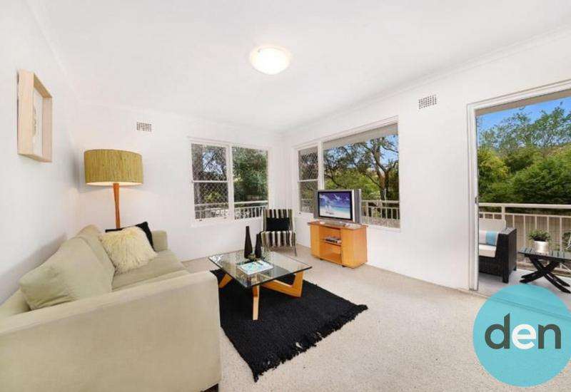 Lifestyle location in the heart of Kensington : New Carpet!