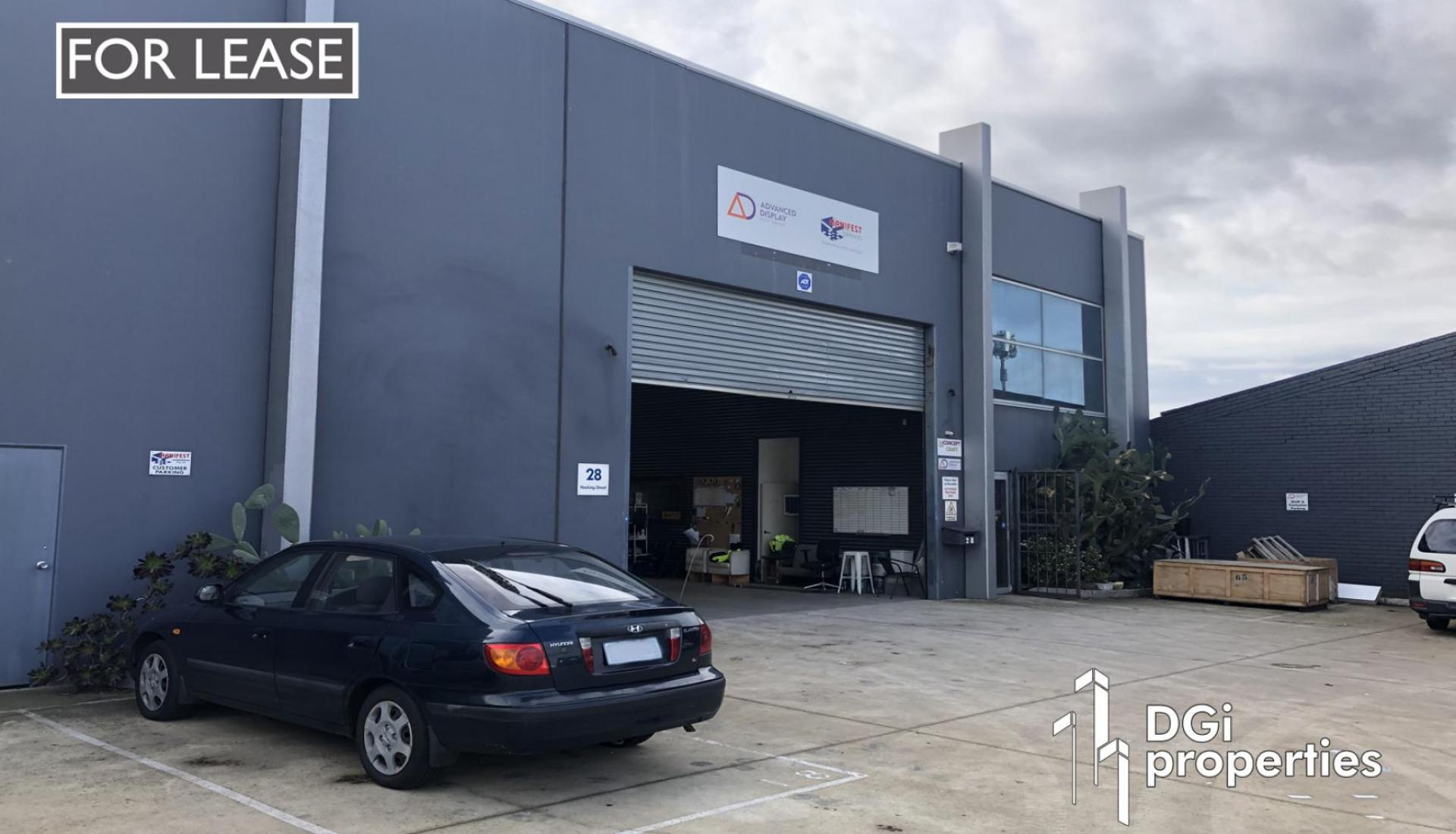 LARGE HIGH CLEARANCE INDUSTRIAL BUILDING