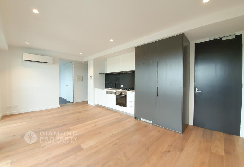 Brand New Two Bed Two Bath Home In Hawthorn