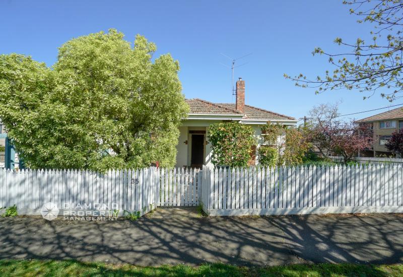 Cozy House In Convenient Location (Balwyn High School Zone)