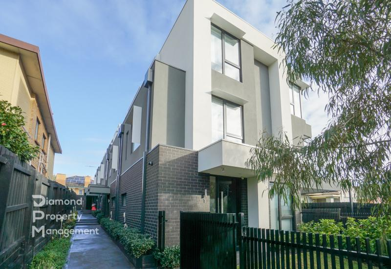 Modern Furnished Townhome Living At Burwood's Prime Location