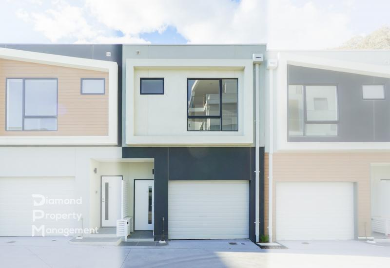 Brand New Modern Townhome Living At Eastwood