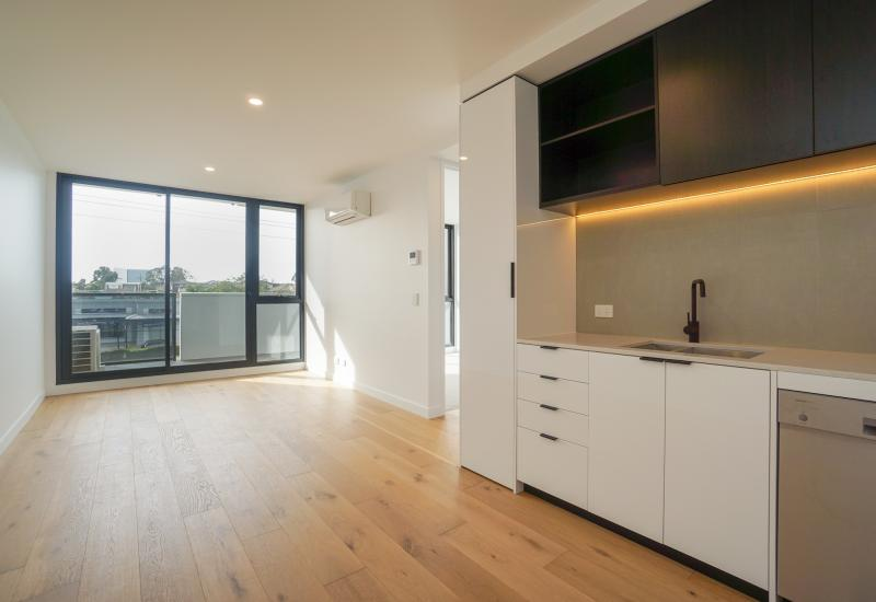 Modern Apartment In Burwood's Prime Location