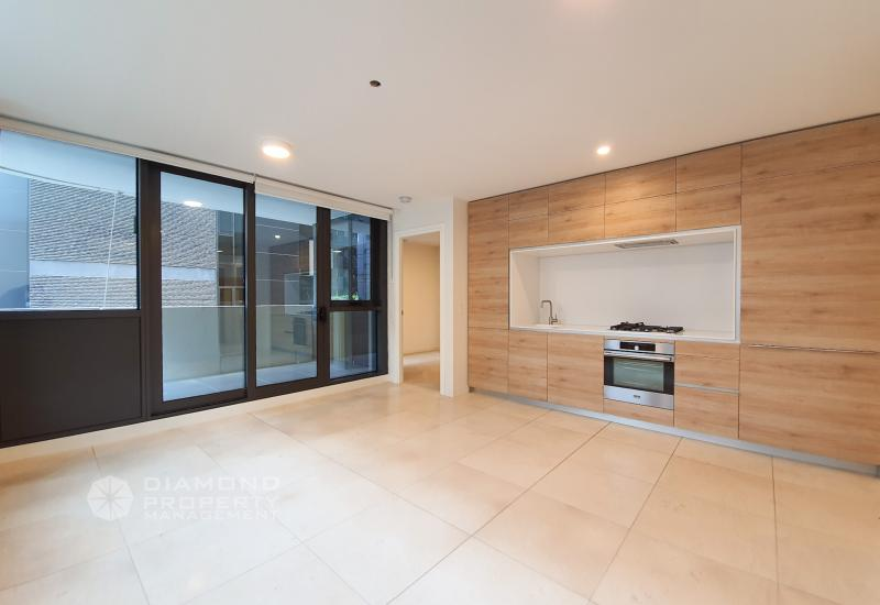 Melbournian Designed Apartment Next to Albert Park