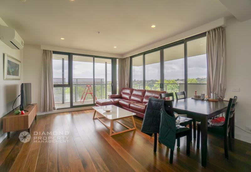 Top Level Corner Aparment In Balwyn High School Zone