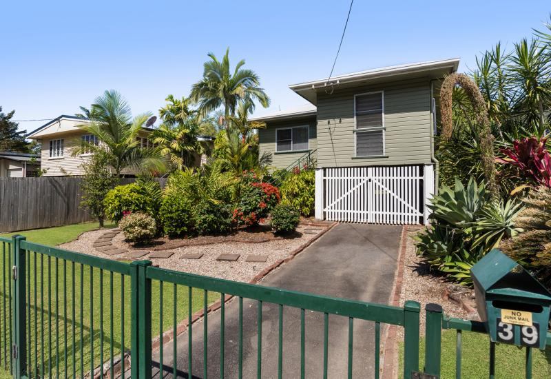 BEAUTIFUL QUEENSLANDER CLOSE TO EVERYTHING! PRICE ADJUSTED TO MEET THE MARKET!