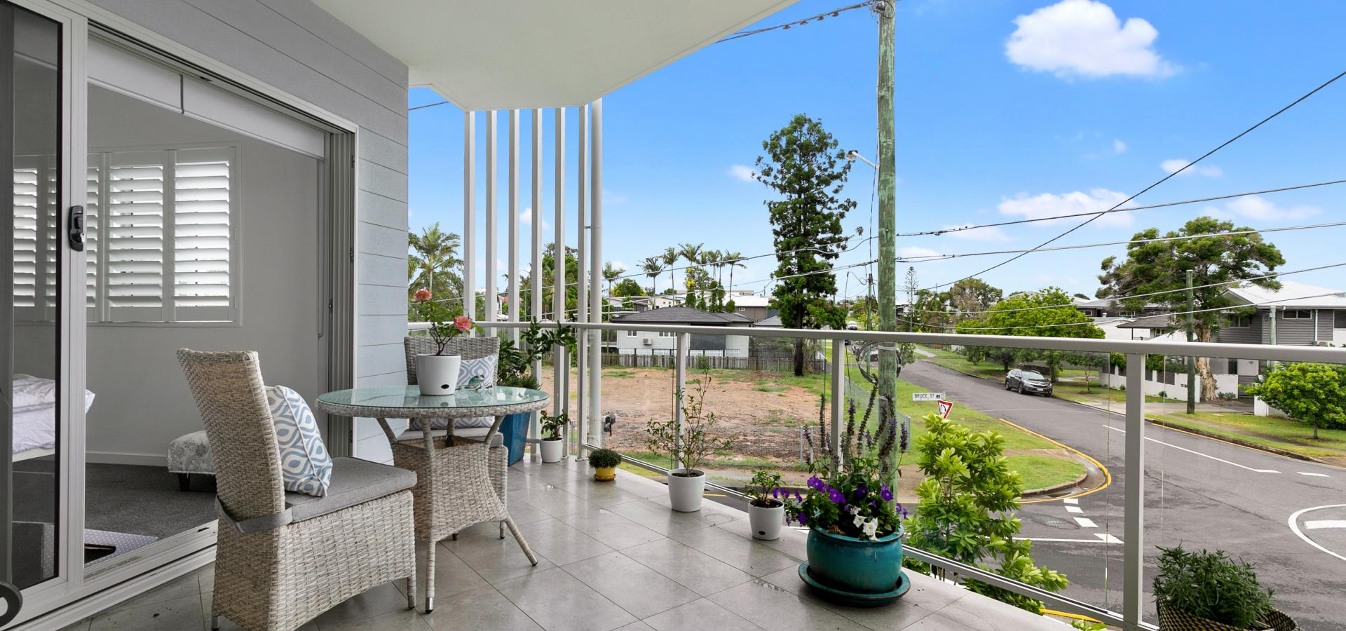 What a lifestyle choice- end unit with a perfect north easterly aspect!