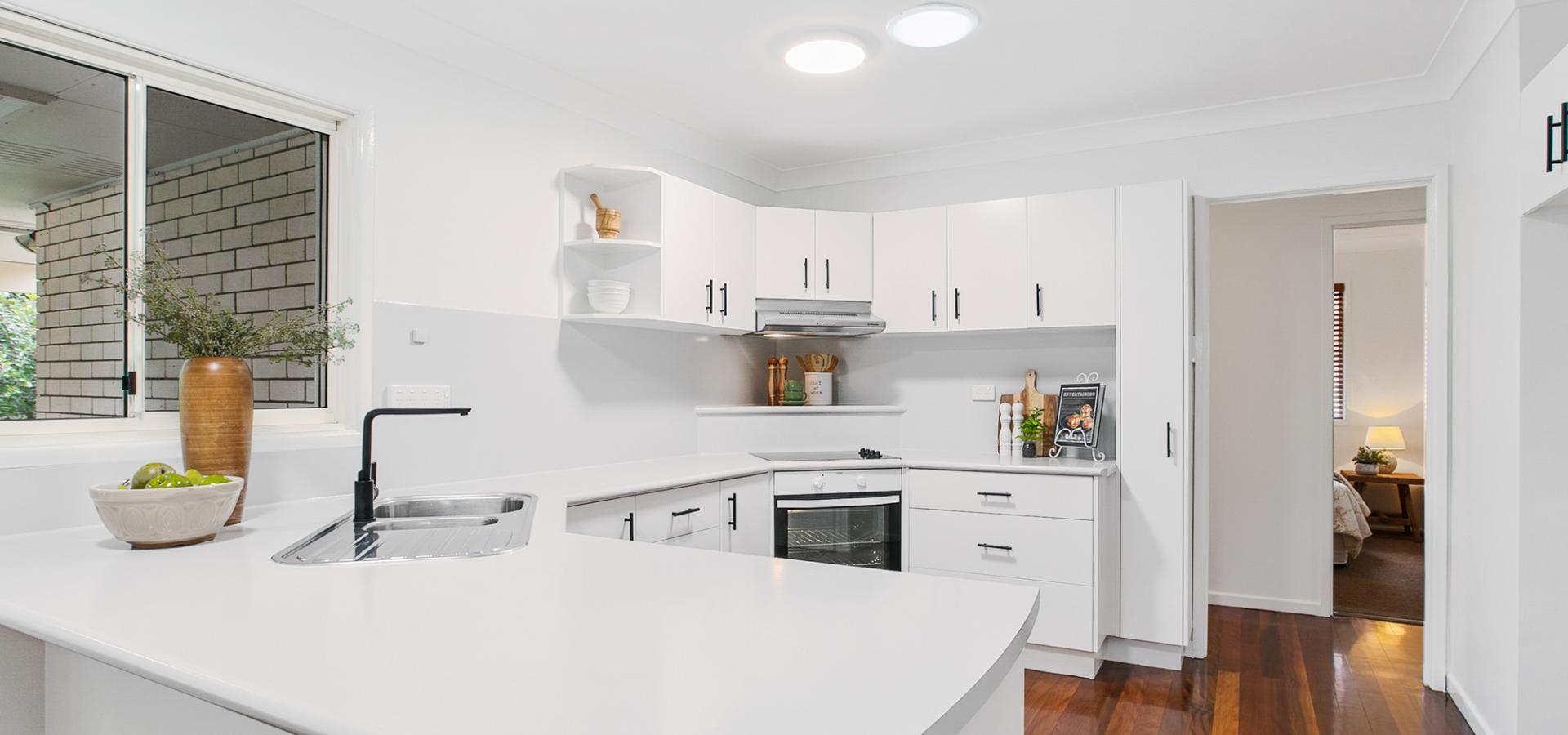 Fresh and Modern - Spacious Coorparoo Home