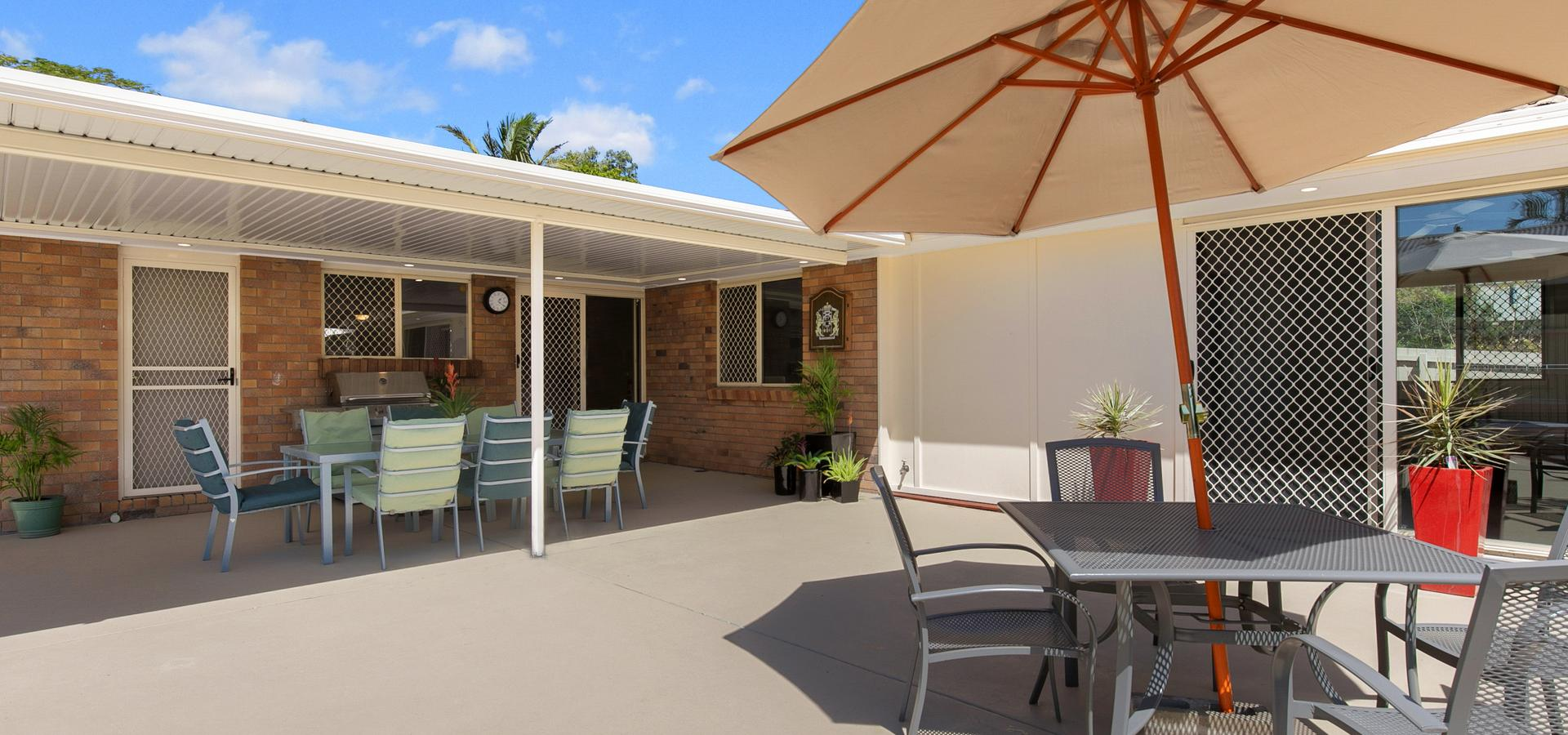 Spacious family home on 771m2 block - FULLY RENOVATED