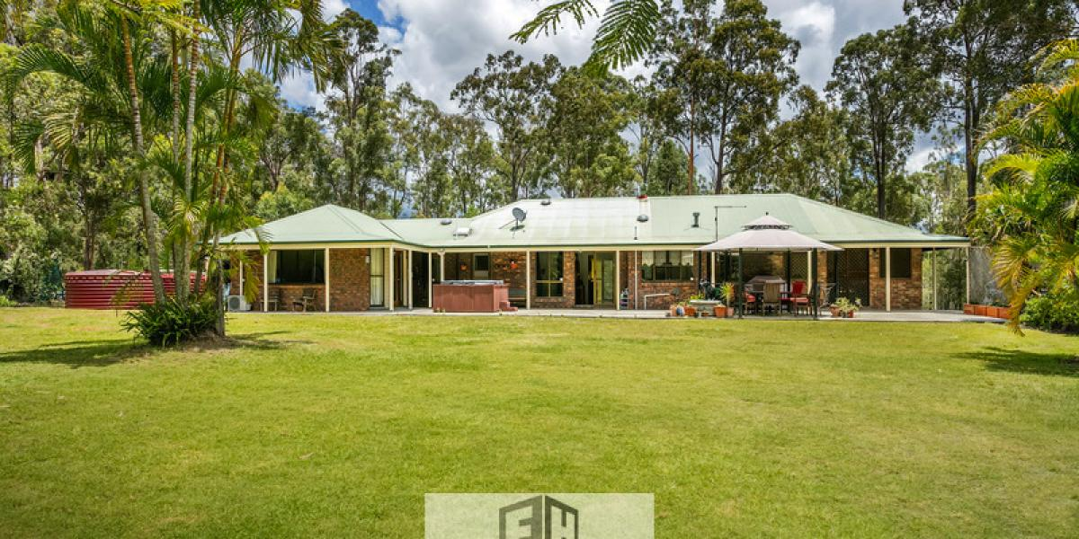 A Comfortable Large Family Home On Over 3 Acres
