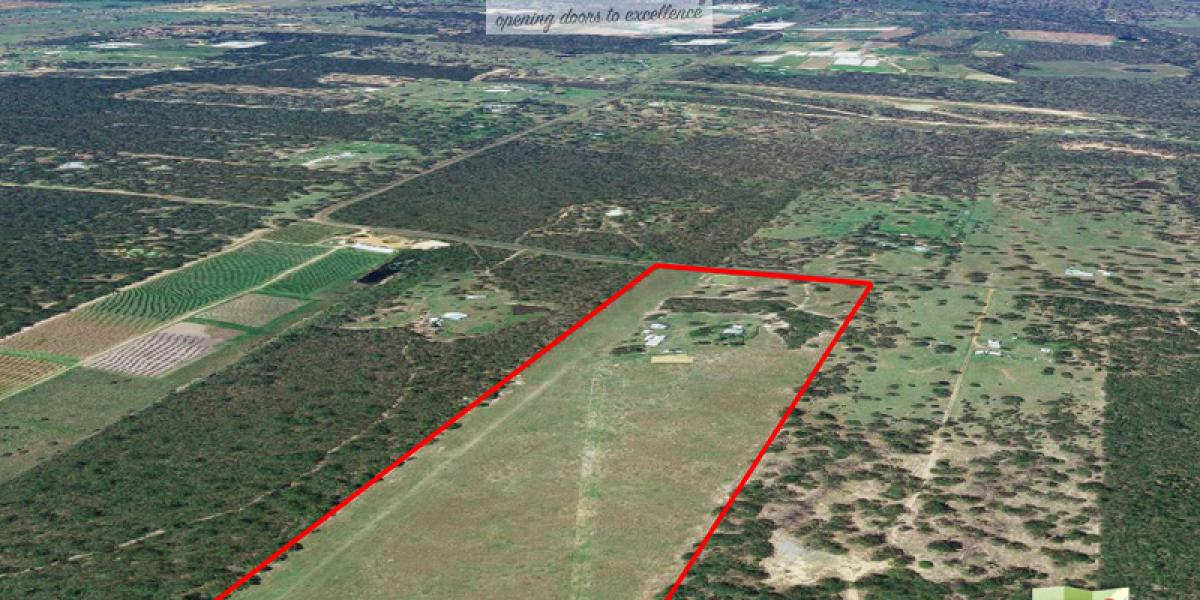 LOOKING FOR A LARGE PIECE OF LAND WITH AN AWESOME SHED? THIS IS THE ONE FOR YOU!!!