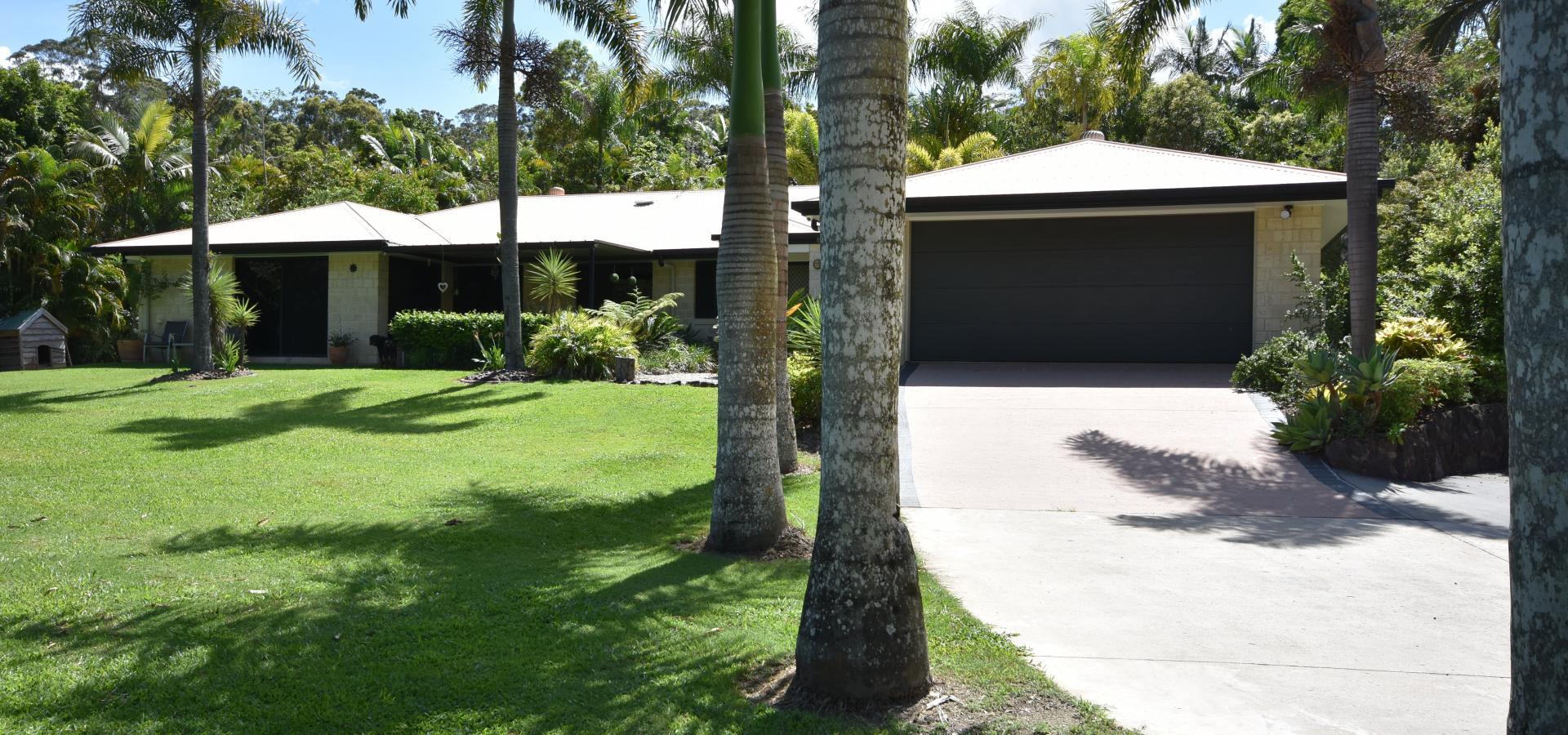 Hinterland Lifestyle Property