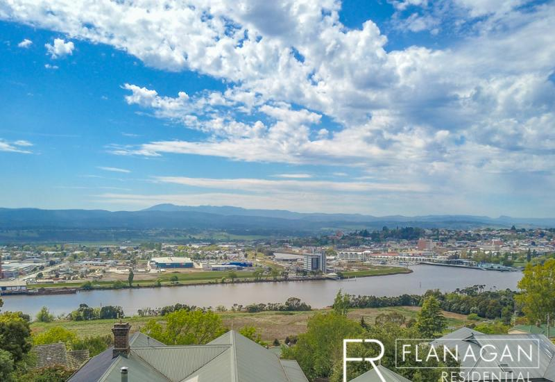 Brand New Town House, Incredible Views!