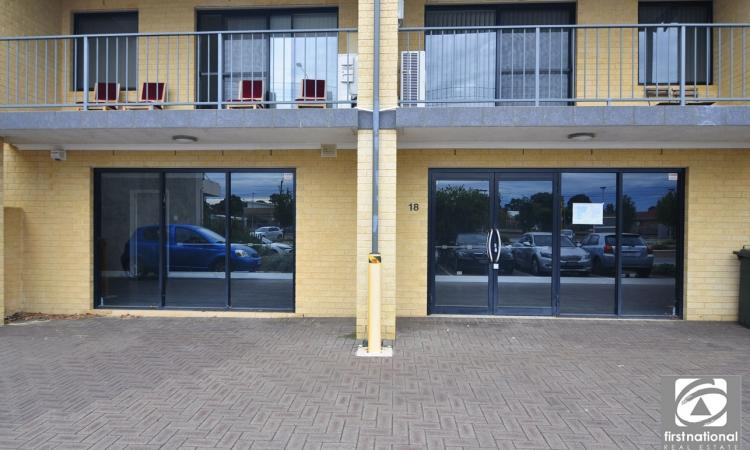 Office in Prime location - For Sale Or Lease
