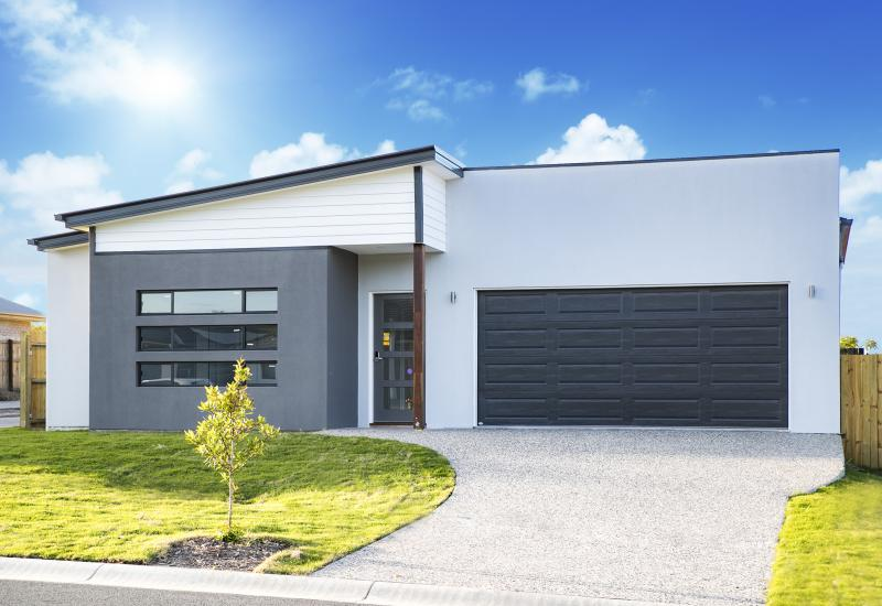 BRAND NEW 4 BEDROOM  SMART FAMILY HOME - PPRESENT OFFERS NOW