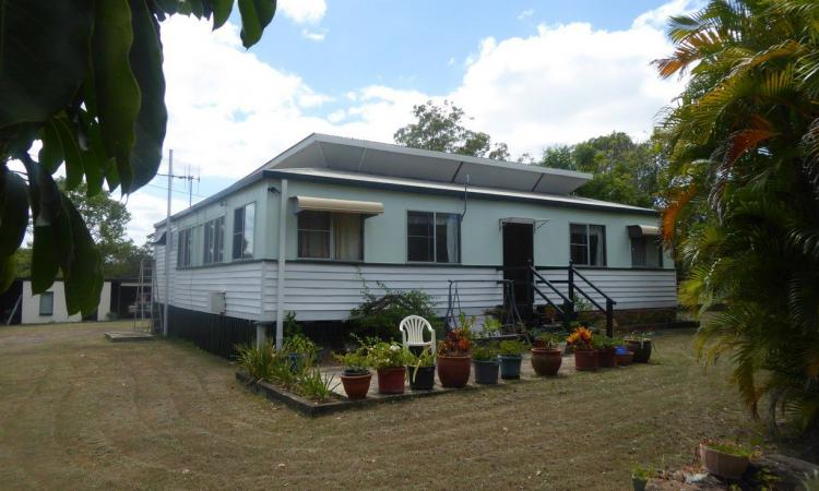 QUEENSLANDER ON 30 ACRES - 18 KM BUNDABERG