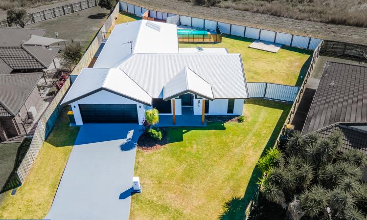 Quality Lifestyle Home with Pool & Large rooms