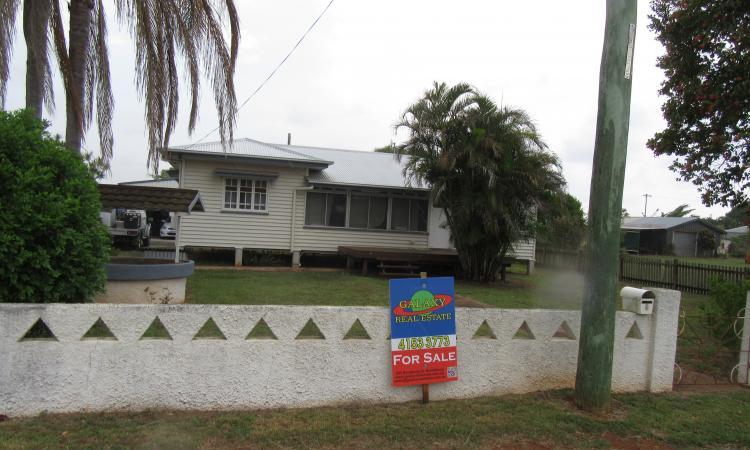 1950 Hardwood Cottage on 819m2