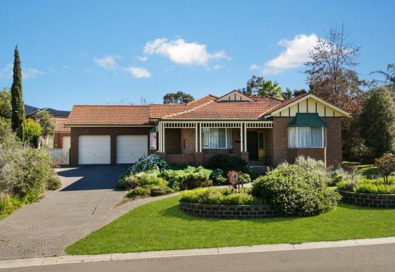Beautiful federation style home on a fabulous block in a in prime location