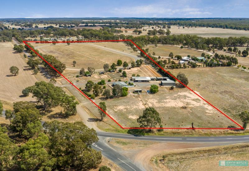 Unique rural farmlet on 25 acres established for lifestyle, horse complex or dog kennels?