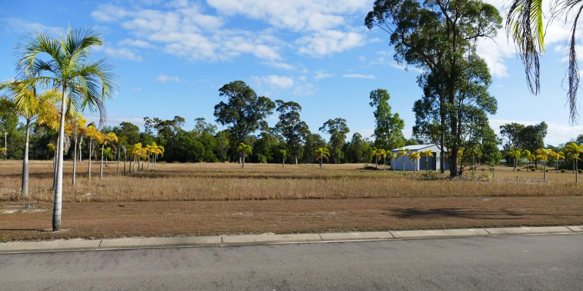 Wow! 1,852m2 Vacant Lot in Town!