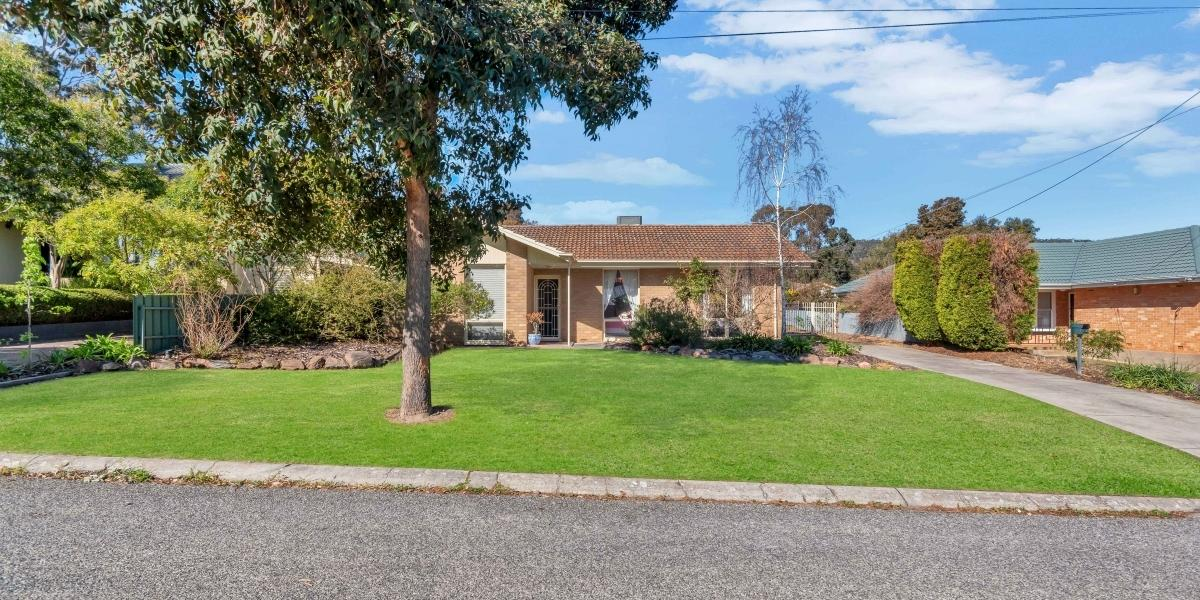 Fantastic Opportunity sitting on 700 sqm of land