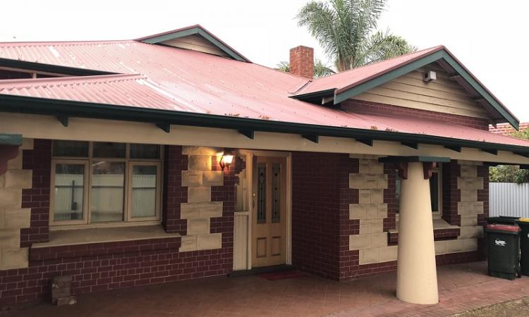 **DONT LET THE MAIN ROAD DETER YOU** **PRIVATE, SECURE 3/4 BEDROOM HOME