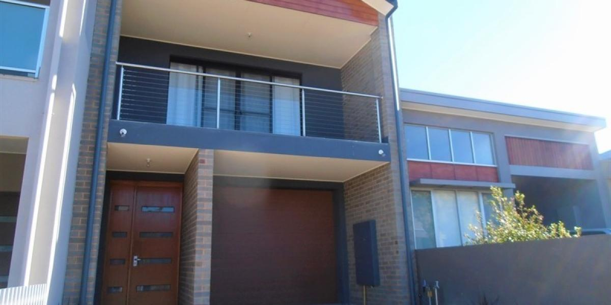 A Stunning Spacious Townhouse - 3Brm - 2 Bathroom - 3 Toilets (In Northgate/Lightsview)