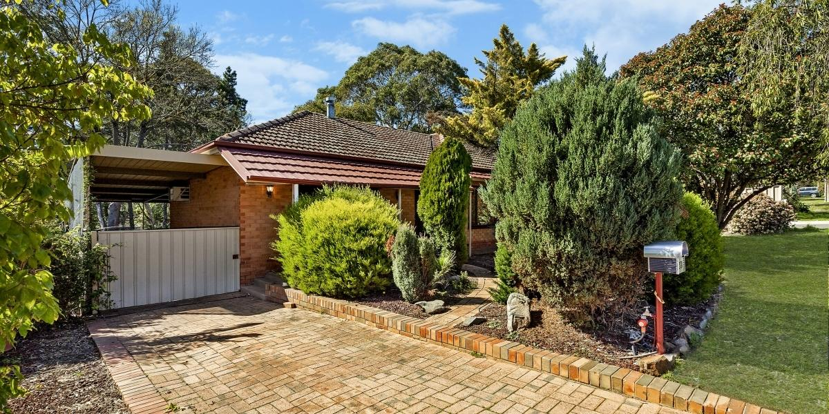Perfect Family Home set on over 1260 sqm approx allotment.