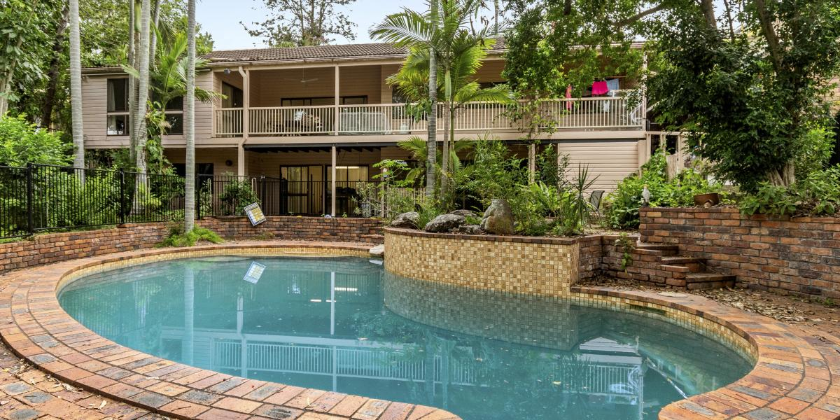 Large family home on 1,244m2 block
