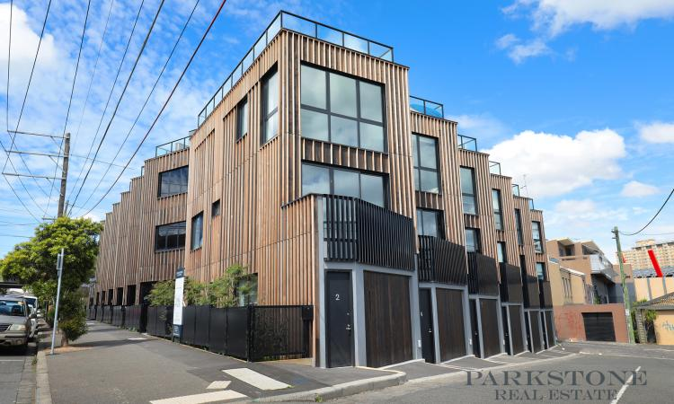 Three Bedroom Townhouse with Park Views