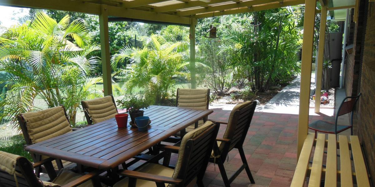 AIR CONDITIONED LIVING & MASTER BEDROOM, LARGE FLAT FENCED YARD