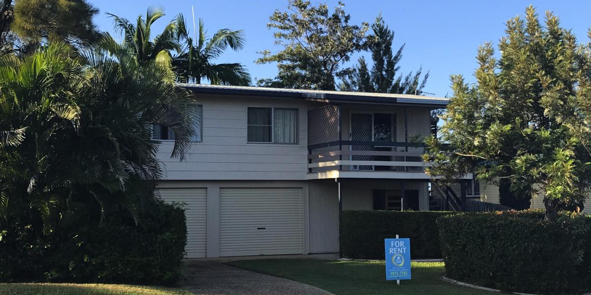 Elevated 3 Bedroom tidy home with Family Room downstairs
