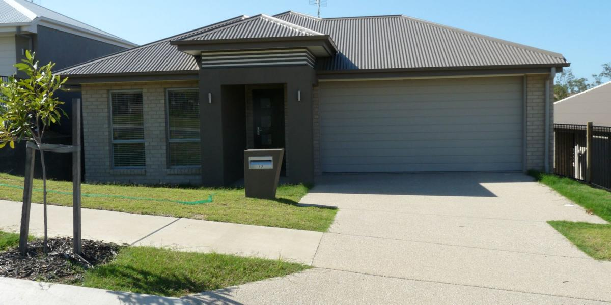 EASY FAMILY LIVING - 4BRM, 2BATH, DOUBLE LOCK UP -