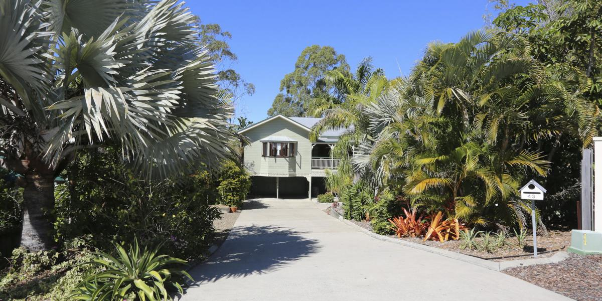 EXECUTIVE RESIDENCE SET IN TROPICAL GARDENS, BI-MONTHLY GARDEN MAINTENANCE PROVIDED