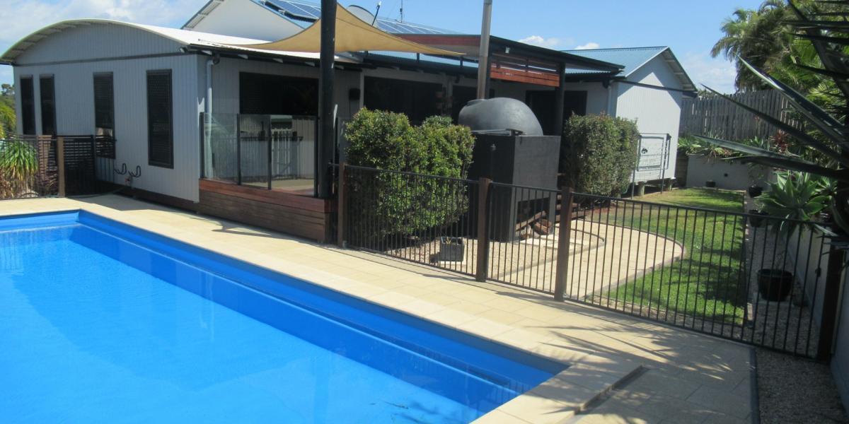 FABULOUS AIR CONDITIONED HOME WITH POOL & SOLAR ELECTRICITY!