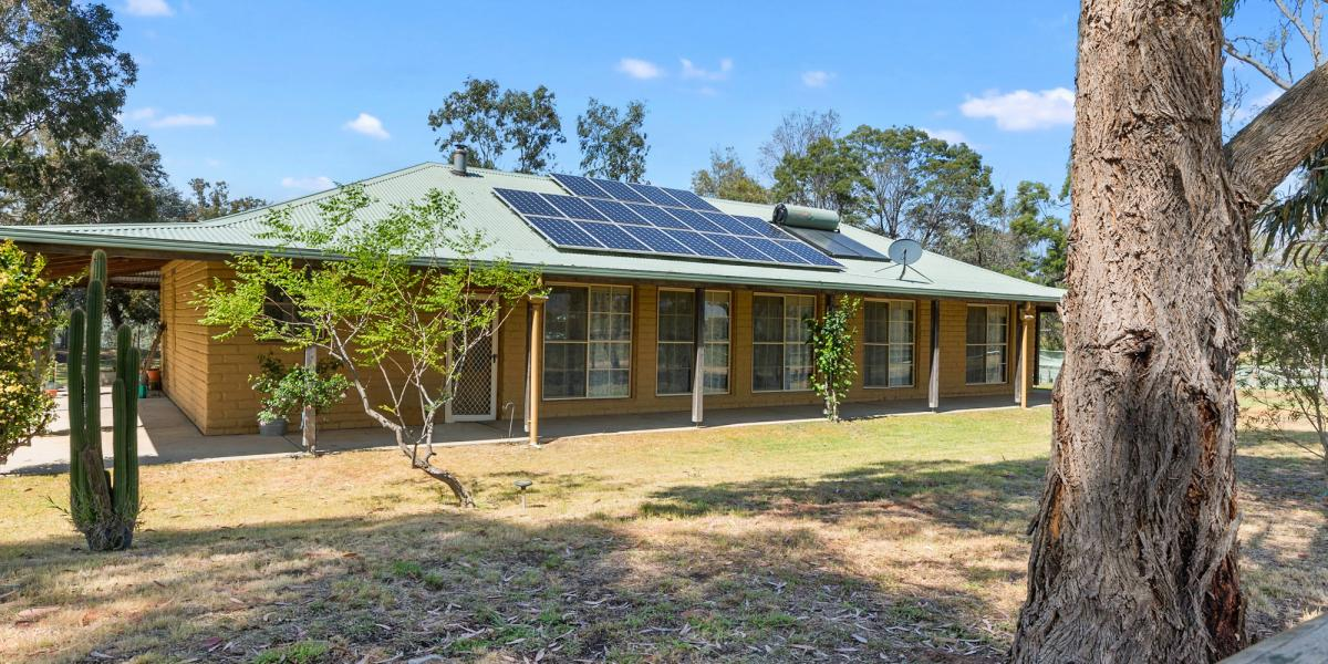 SOLID MUD BRICK HOME WITH CREEK FRONTAGE