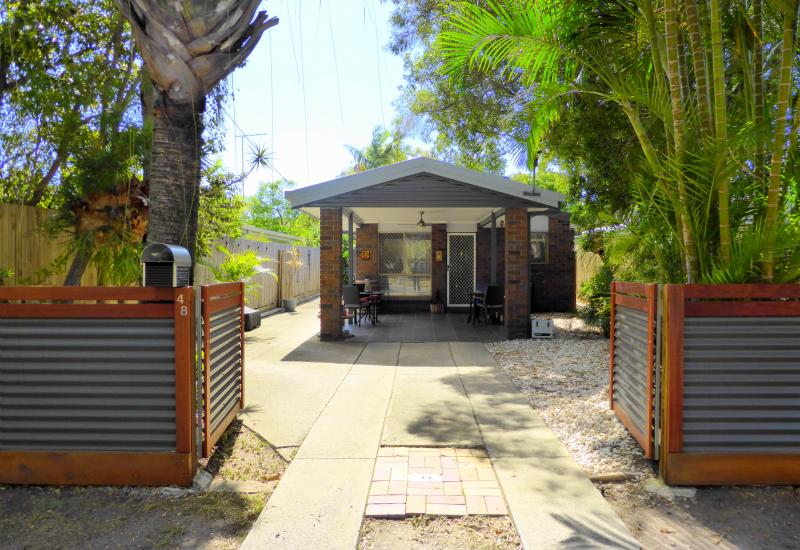 RENOVATED HOME IN THE HEART OF REDCLIFFE!!