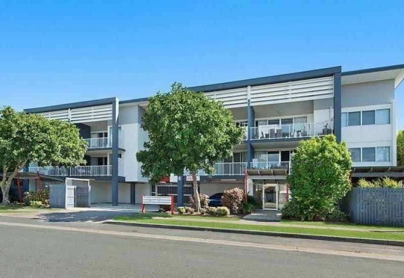 CLONTARF BEACHSIDE APARTMENT - HIGH YIELD COMPLEX