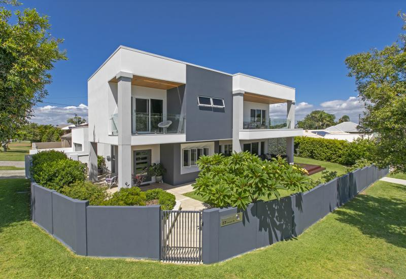 STUNNING LUXURY HOME - STROLL TO MARINA  BEACHES AND SCARBOROUGH VILLAGE
